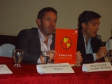 Ben Leather y Billy Kyte de Global Witness cuando presentaban el informe en Tegucigalpa