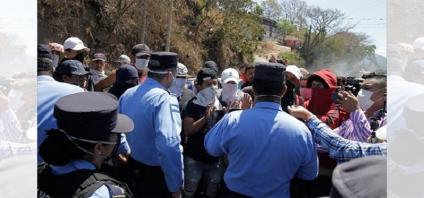 Stop a la manifestación pacífica en Honduras