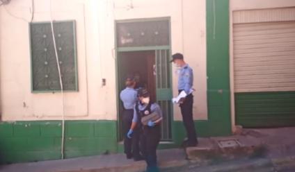Hombres armados buscan a Yasmín López