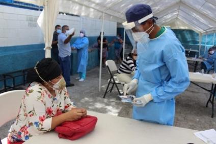 Doctor Carlos Umaña: Las autoridades dan cátedra de ineptitud y  fomentan una crisis epidemiológica